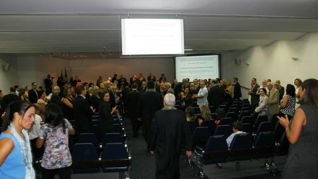 O momento da entrada nos novos Membros Titulares no auditório principal do Centro de Convenções do CBC