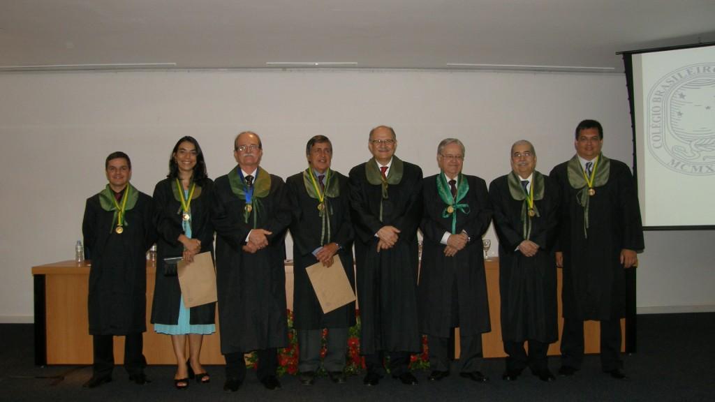 Alguns dos Membros Titulares que tomaram posse, com o Presidente do CBC, o ex-Presidente e o 1o Vice-Presidente.
